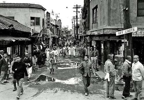 seoul-red-light-district-1945.jpg