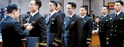 south-korean-sailors.jpg
